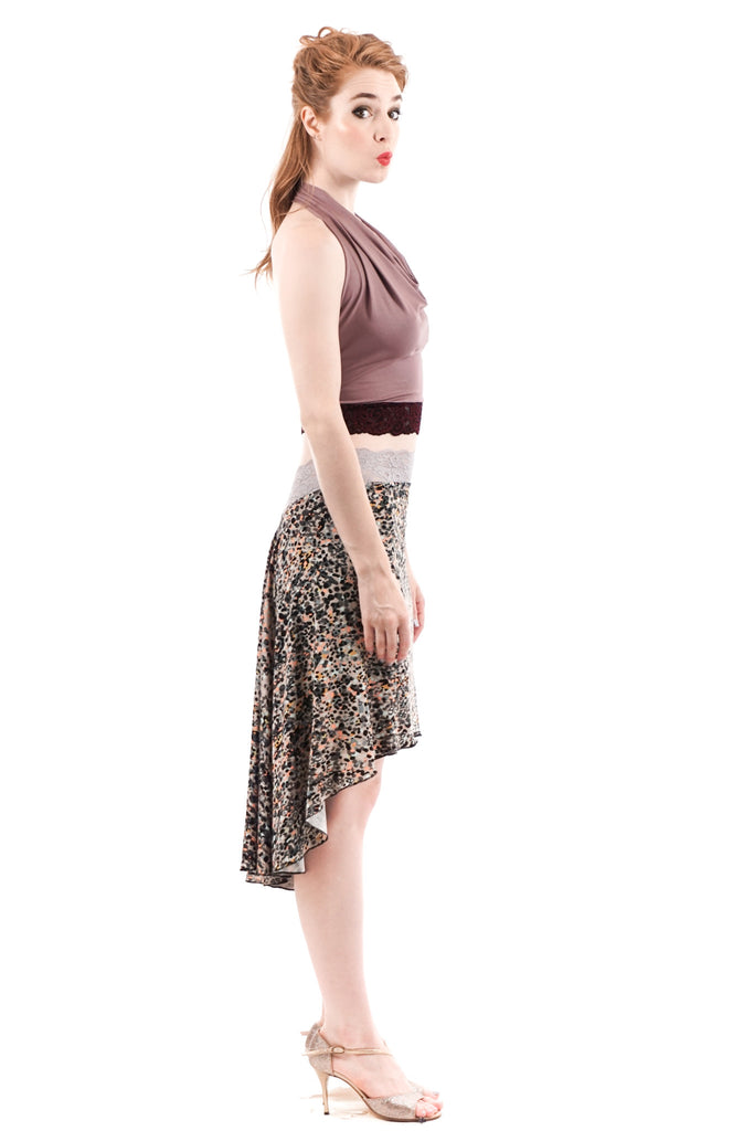 the signature skirt in kismet pebble