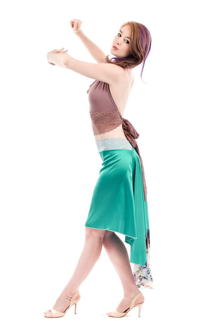 the signature skirt in fissured emerald