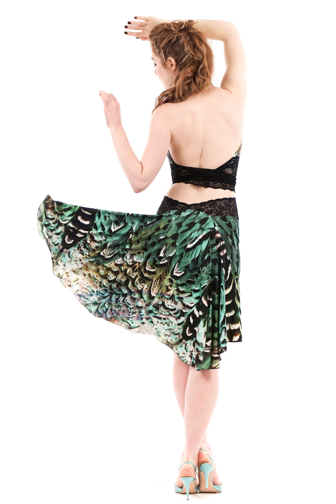 the signature skirt in sky peacock