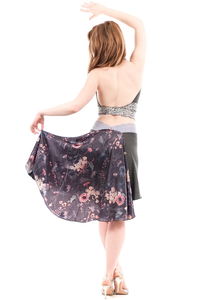the signature skirt in melange and winter garden