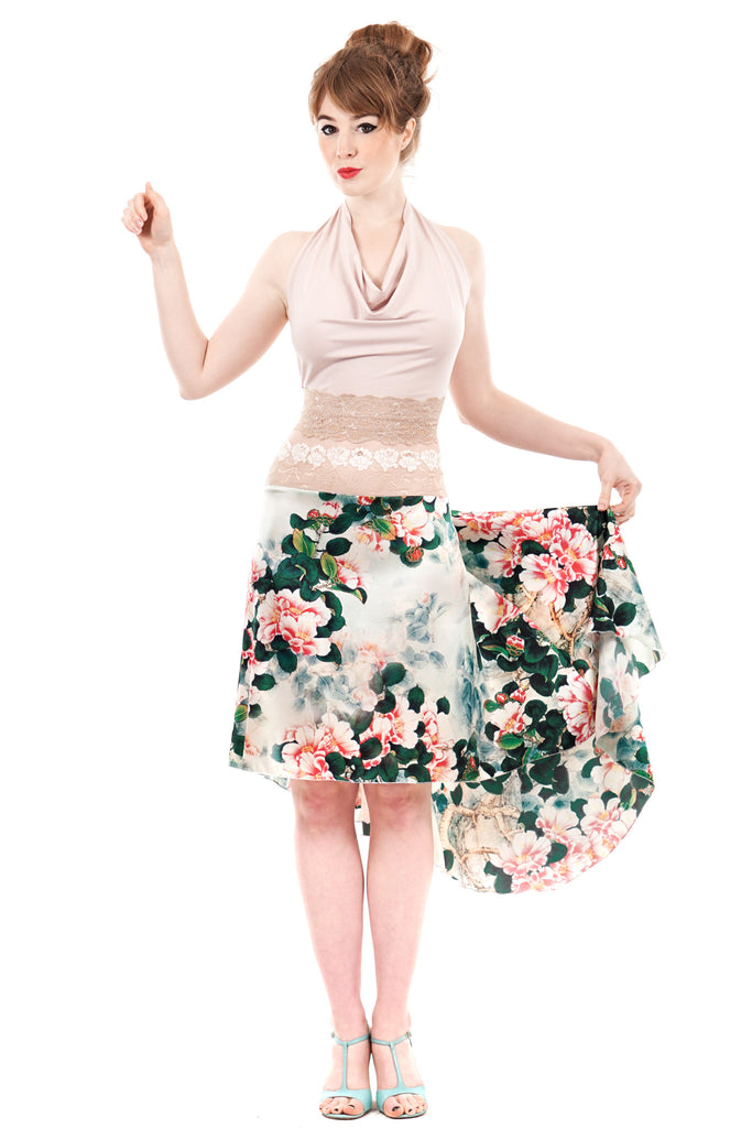 the signature skirt in bright dogwood