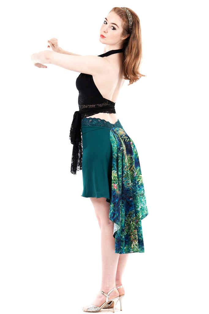 the signature skirt in peacock and painted oleander