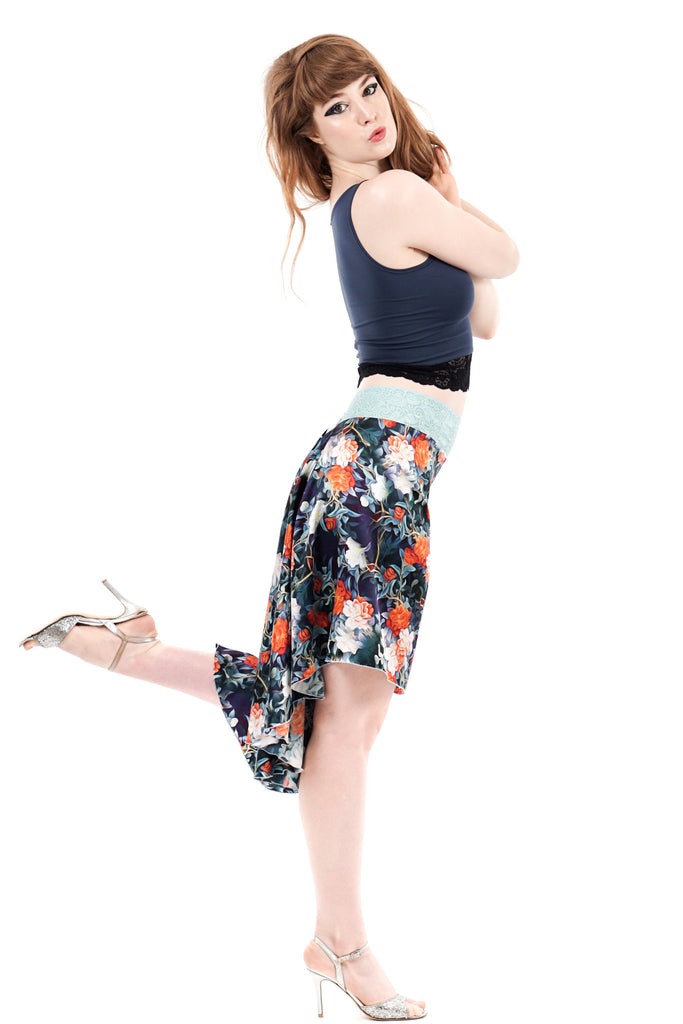 the signature skirt in prussian vine