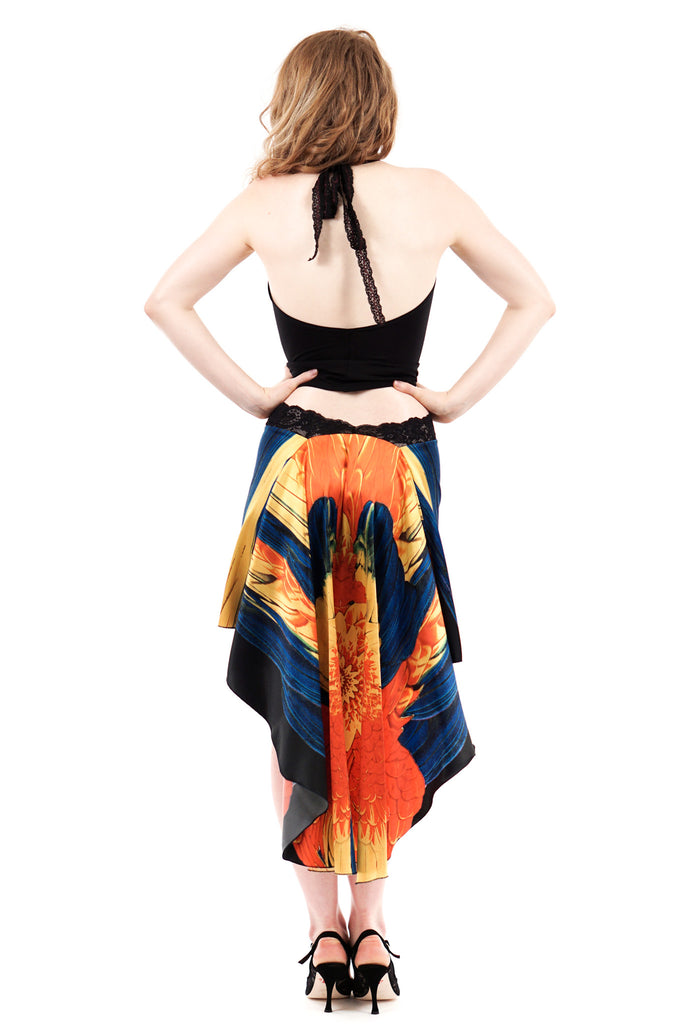 the signature skirt in night parrot silk