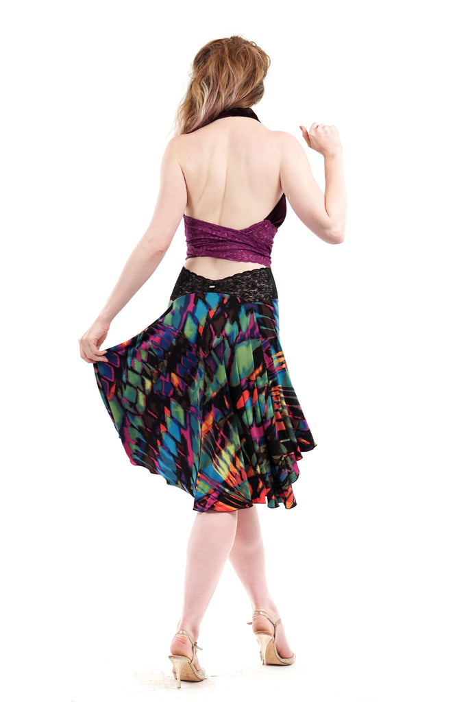 the signature skirt in colorstreak