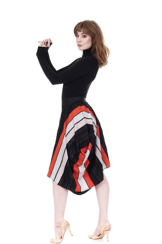 modern texture long bustled skirt