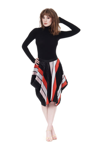 modern texture short bustled skirt