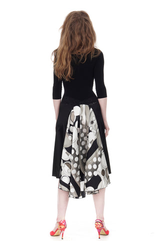 the signature skirt in inky silk satin and greyscale abstract