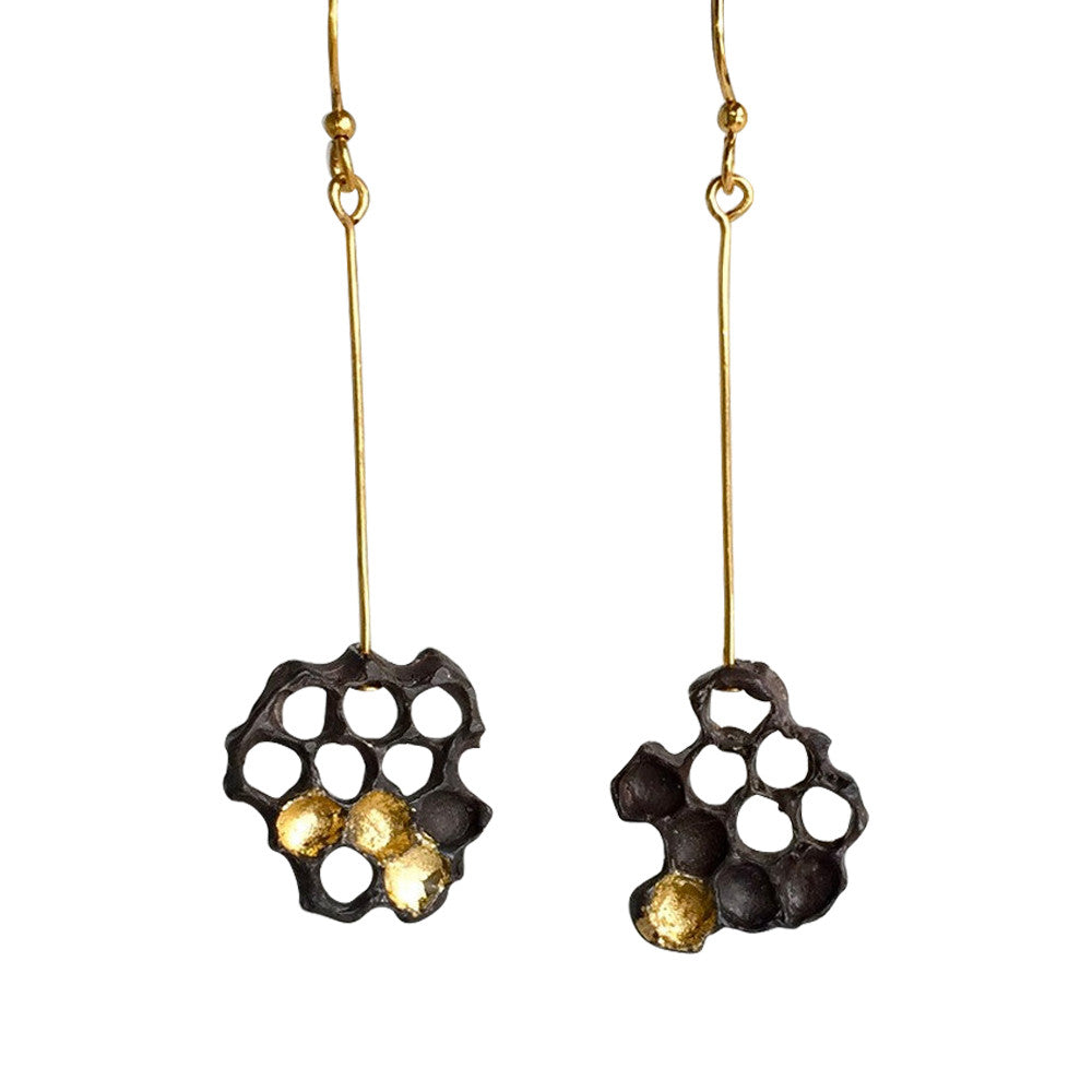 earrings-honeycomb-black-gold