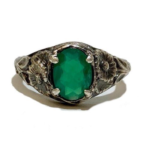 Green Onyx Art Nouveau Daisy Ring
