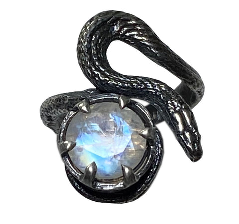 Solitaire Serpent Familiar Ring
