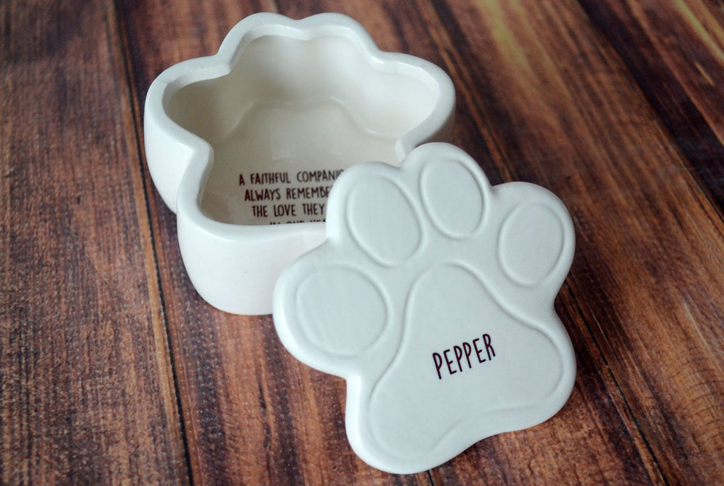 Dog Sympathy Gift, Pet Sympathy Gift, Pet Memorial Gift, Loss of Pet Gift, Personalized Keepsake Box with Name
