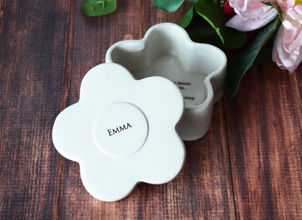 Personalized Flower Girl Keepsake, Flower Box -Round Keepsake Box - Flower Shaped