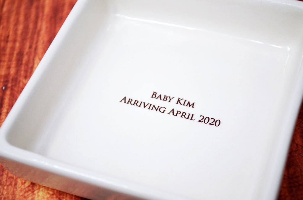New Grandma Gift, Pregnancy Announcement, Soon-to-be Grandma Gift - Personalized Square Keepsake Box
