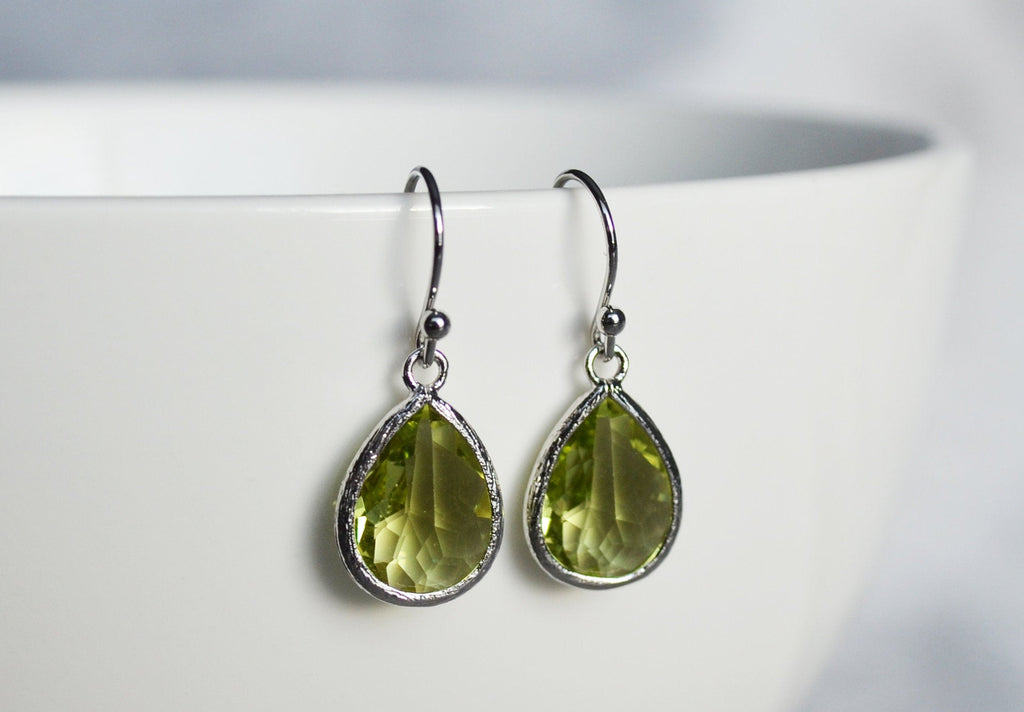 Peridot earrings, August Birthstone Gift, August Birthstone earrings, Bridesmaid earrings, Peridot Birthday Gift for Her, Tear Drop Earrings