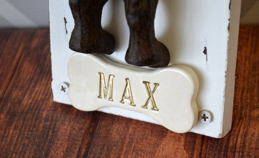 Personalized Dog Leash Hanger, Dog Leash Hook, Dog Gift Personalized with Name, Cast Iron Dog with White Wood