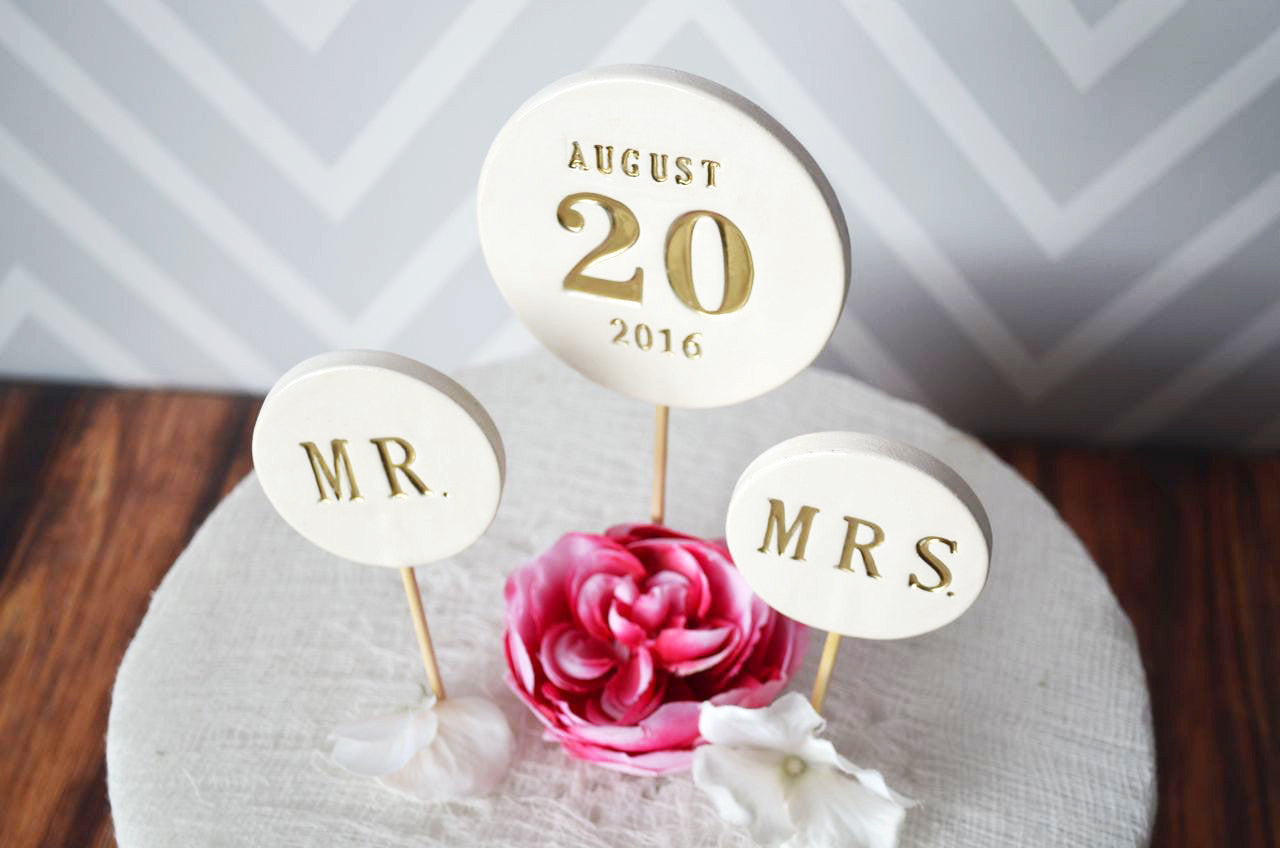 Wedding Cake Topper - PERSONALIZED - with Wedding Date and Initial Top