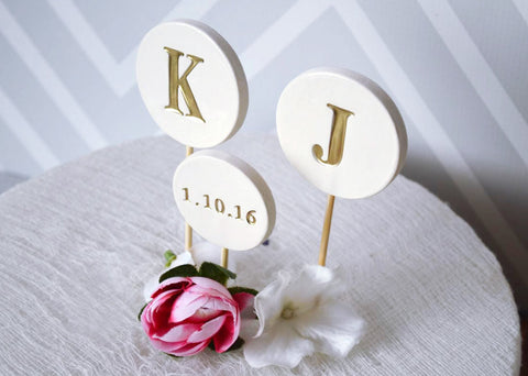 Wedding Cake Topper - PERSONALIZED Modern Circle with Initials and Wedding Date
