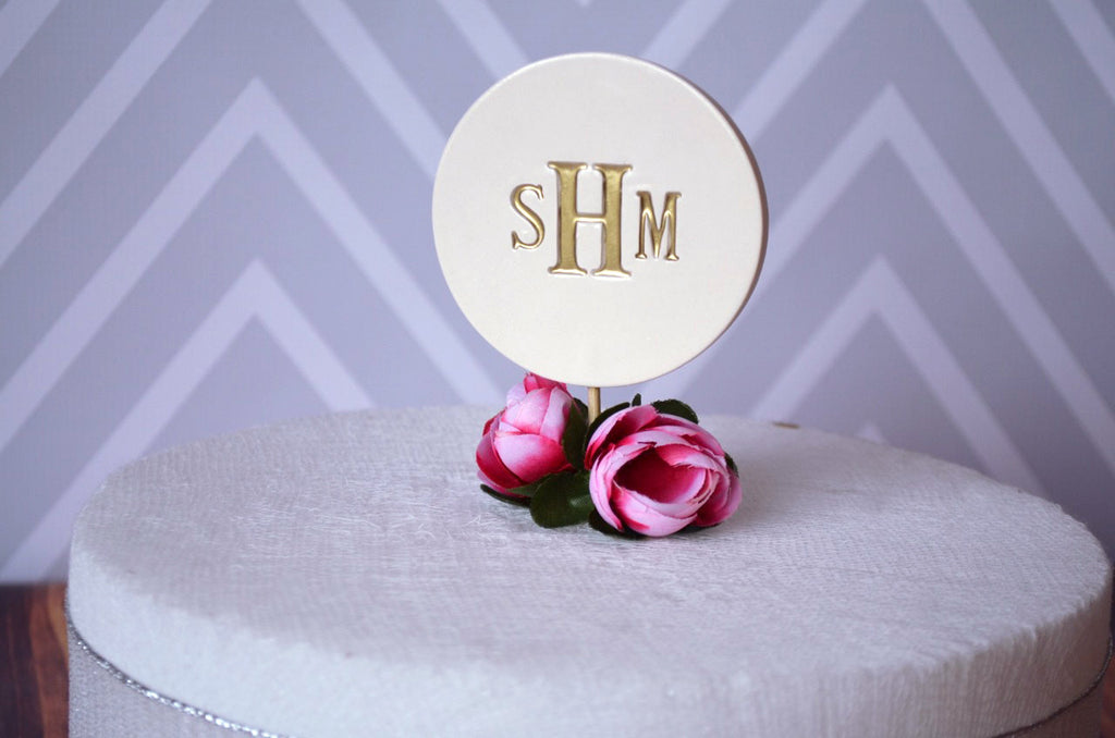 PERSONALIZED Ceramic Modern Wedding Cake Topper in Gold