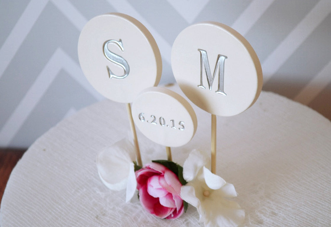 Wedding Cake Topper - PERSONALIZED Modern Circle with Initials and Wed