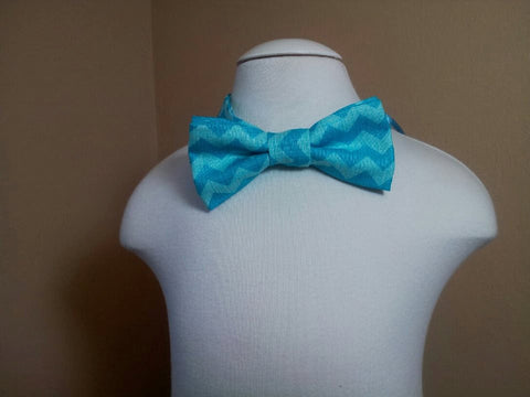 chevron child sized bowtie dress up bow tie