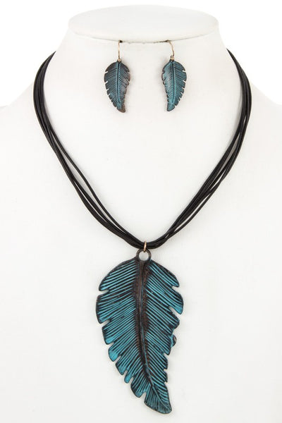 Oversize Leaf Necklace