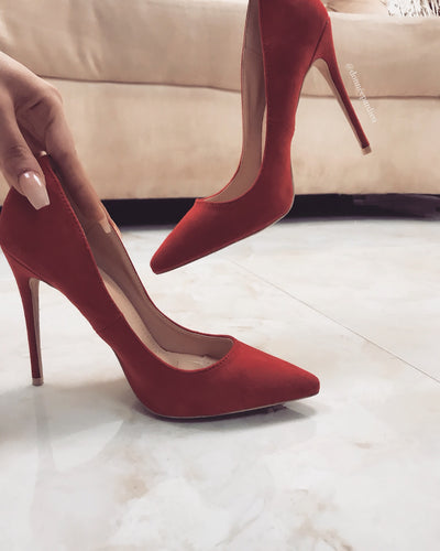 'BECCA' Red Pumps