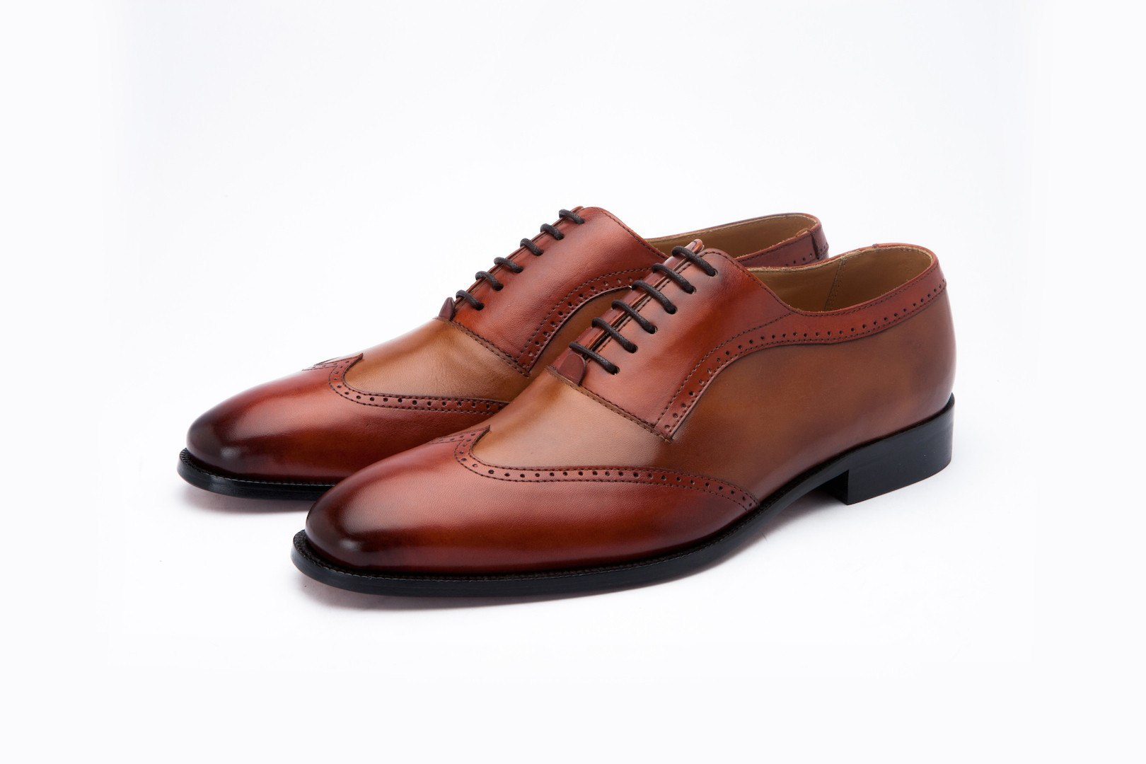 Oxfords - Twin Color Wingtip Oxford