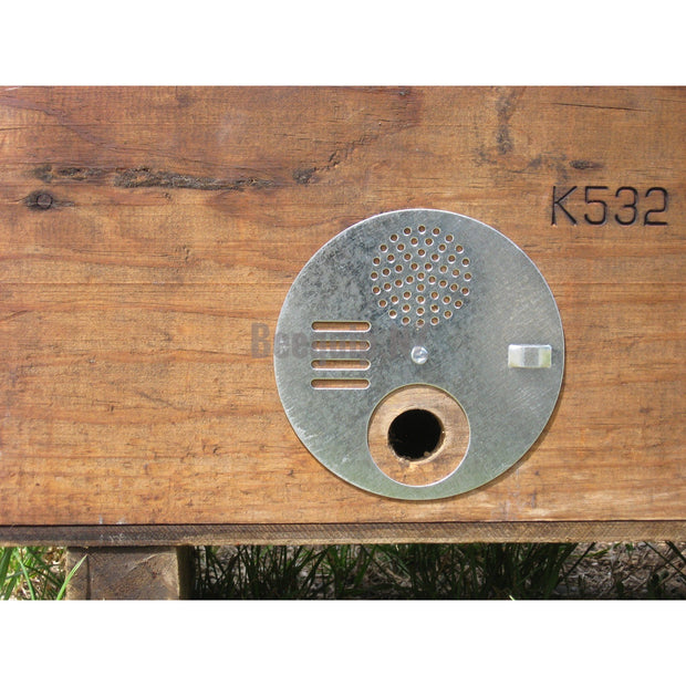 Entrance disc for Nucleus hives.