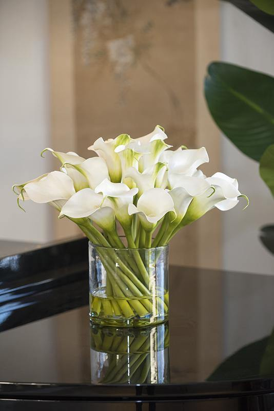 Calla Lily Arrangement In Glass White New Growth Designs