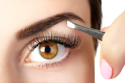 For Great Looking Eyebrows, Use These Tweezers!