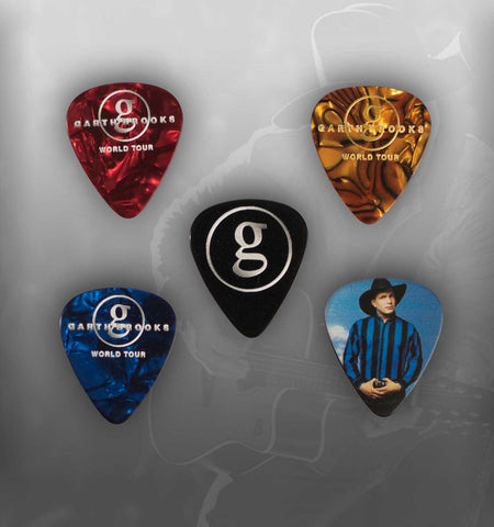 "World Tour Commemorative Pick Set  ""Ropin' The Wind"" & ""The River"" with pick bag"