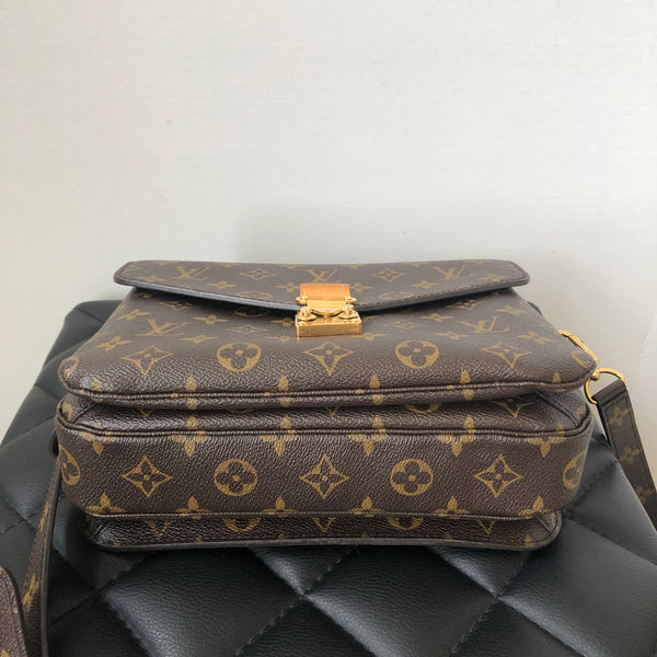 Louis Vuitton Monogram Pochette Metis Crossbody Bag