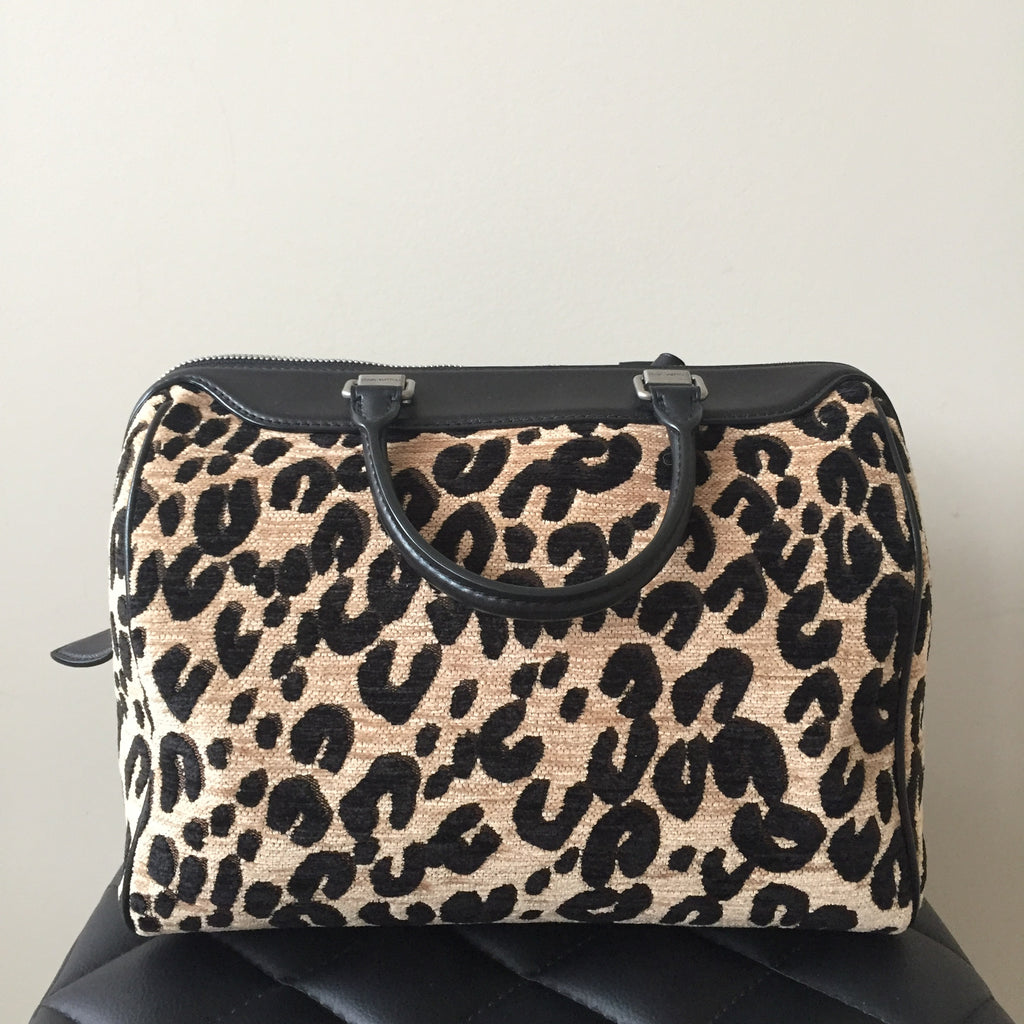 4946b680ce9e ... Louis Vuitton Limited Edition Leopard Canvas Speedy 30 ...