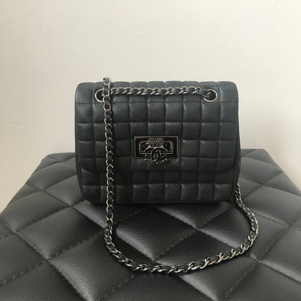 Chanel Square Mini Iridescent Black Calfskin Quilted Flap