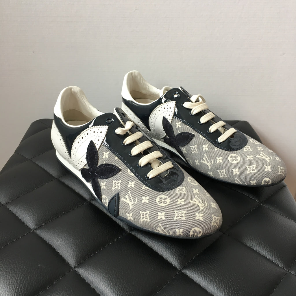 c02a1aa5ea6 Louis Vuitton Navy/White Monogram Sneakers Size 37