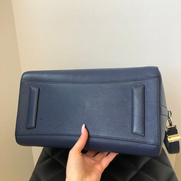 Givenchy Dark Blue Medium Antigona in Grained Leather