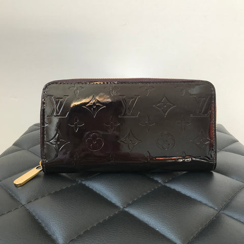 Louis Vuitton Monogram Vernis Amarante Zippy Wallet