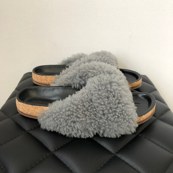 CHLOÉ Grey Kerenn Shearling Fur Sandals Size 40
