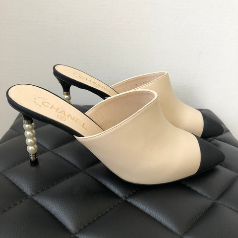 Chanel Beige/Black Pearl Mules Size 40
