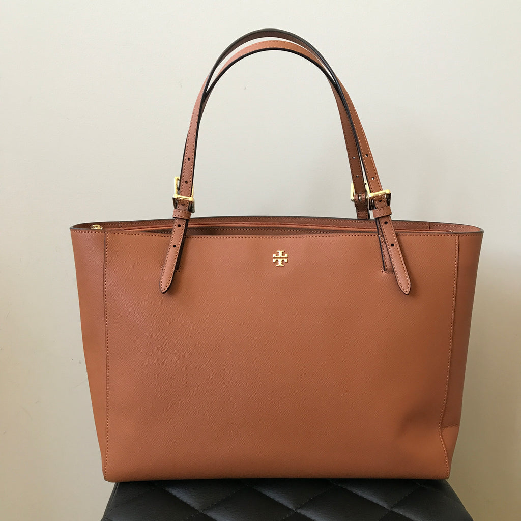 a28efabe57d Tory Burch Tan Saffiano York Buckle Large Tote Bag