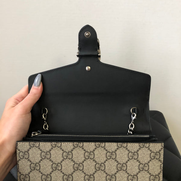Gucci Dionysus GG Supreme chain wallet