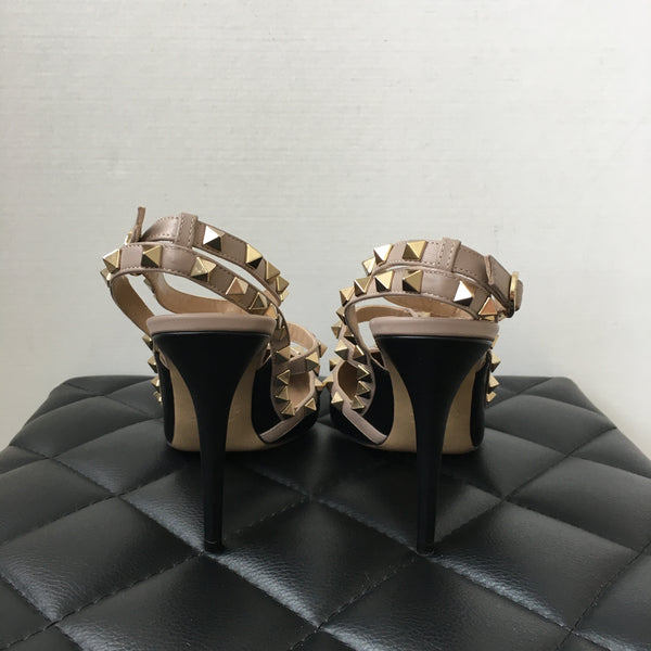 Valentino Black/Beige Smooth Leather Rockstud Pumps Size 38.5