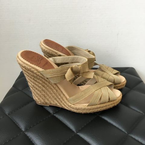 Christian Louboutin Delfin Beige/Gold Bow Espadrille Wedges Size 37