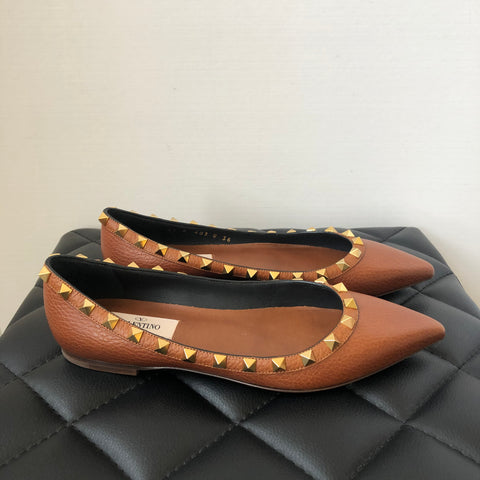 Valentino Brown Grained Leather Rockstud Flats Size 36