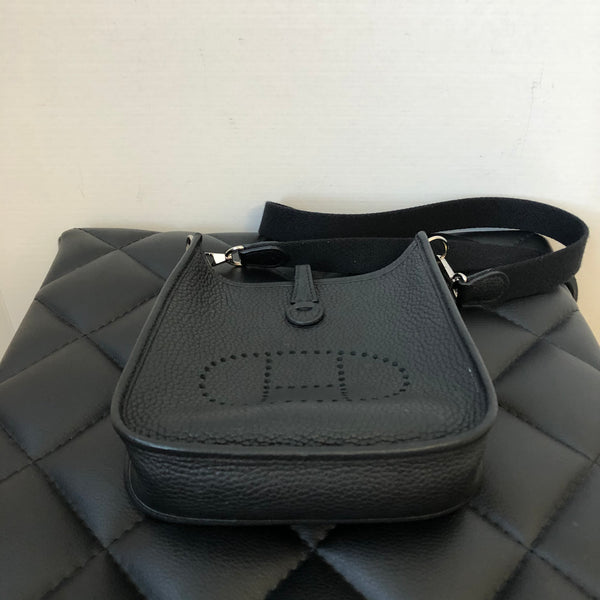 Hermès Black Noir Evelyne Mini Tpm Sac 16 Amazone Taurillon Clemence Crossbody Bag