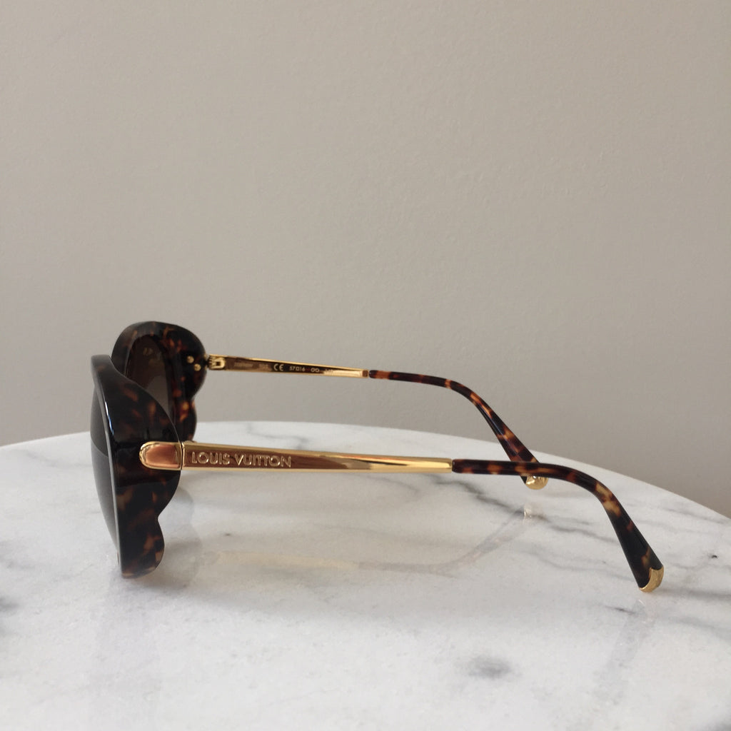 abd1fdfedccf Louis Vuitton Bluebell Dark Tortoise Sunglasses Louis Vuitton Bluebell Dark  Tortoise Sunglasses ...