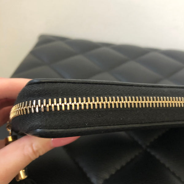 Gucci Black Grained Leather Bamboo Zip Wallet