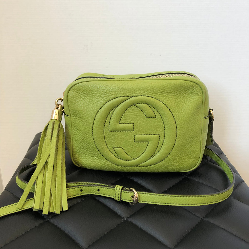 257574958 Gucci Green Leather Soho Disco Camera Crossbody Bag | Forever Red Soles