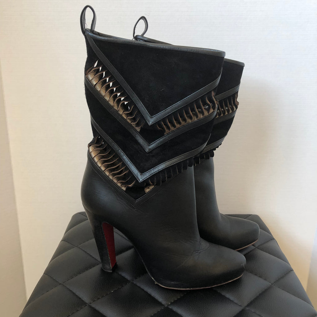 huge selection of 4527e 2f3a9 Christian Louboutin Black Leather/Suede Boots Size 40